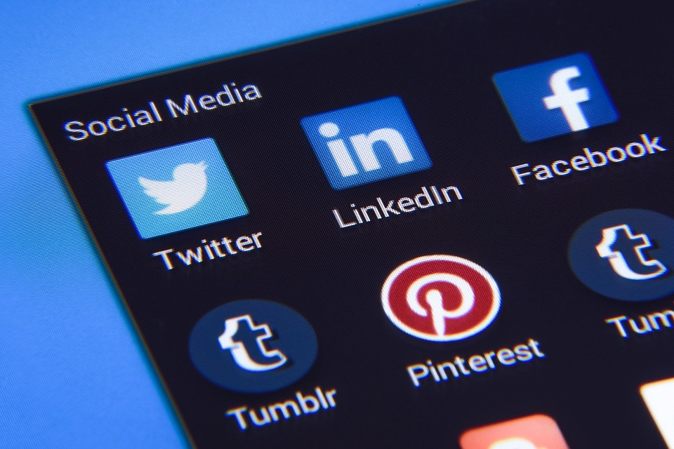 US Visa now requires to submit Social media accounts